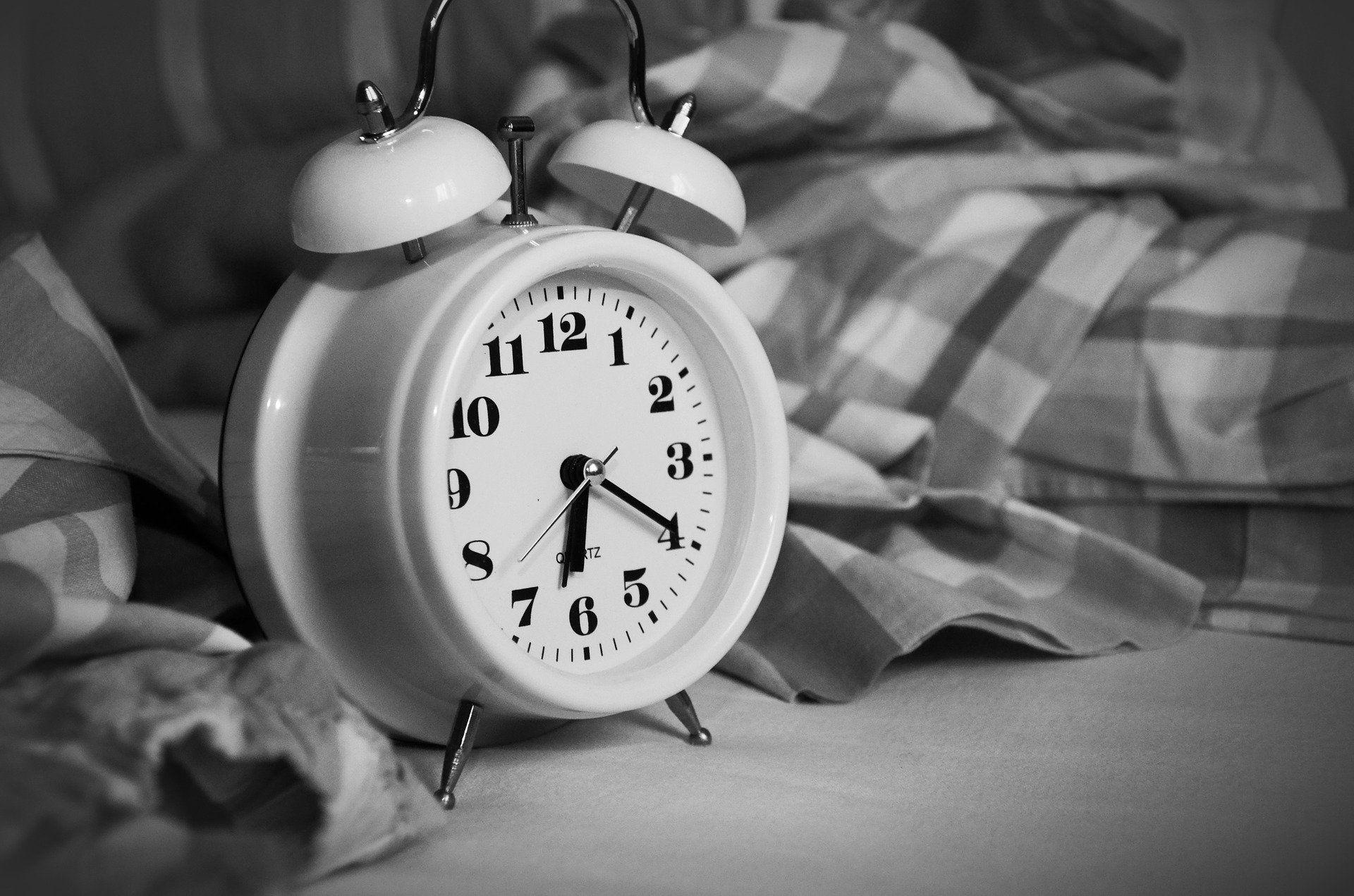 budzik-czas-wstac-compressor
